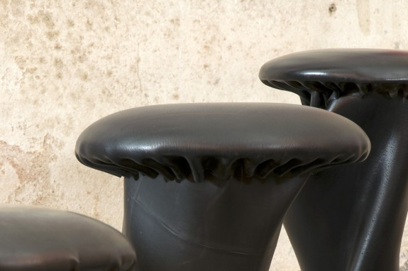 Detail rubber stool Tuby